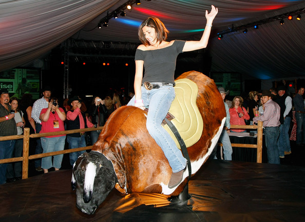 Friendsgiving Social Bash & Mechanical Bull-Riding Contest!
